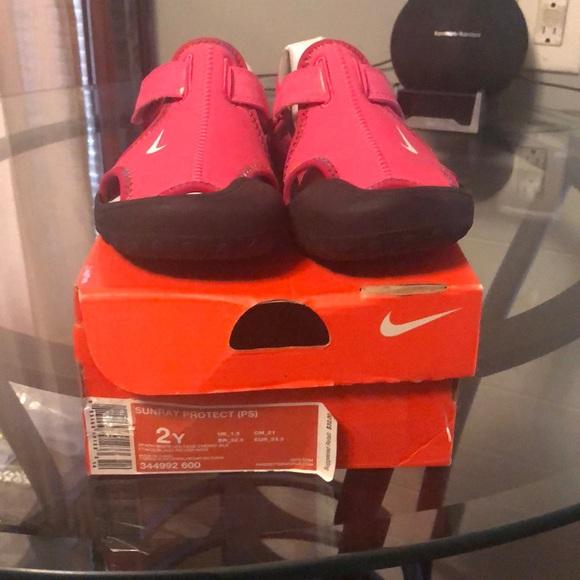 Nike Shoes   Nike Girls Pink